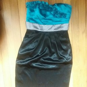 Dresses & Skirts - Strapless Formal Dress